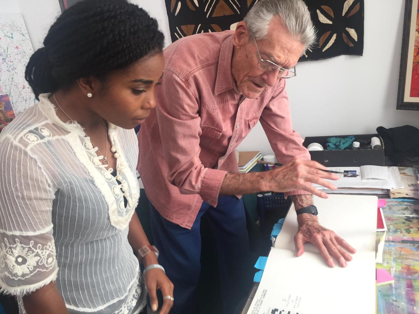 Ken Tinley handing his valuable knowledge to Dominique Gonçalves, manager of elephant ecology in Gorongosa, in Perth